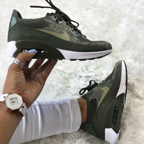 uk availability 89a6d af595 Nike Women s Air Max 90 Ultra 2.0 Flyknits